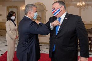 Americký minister zahraničných vecí Mike Pompeo a kolumbijský prezident Iván Duque.