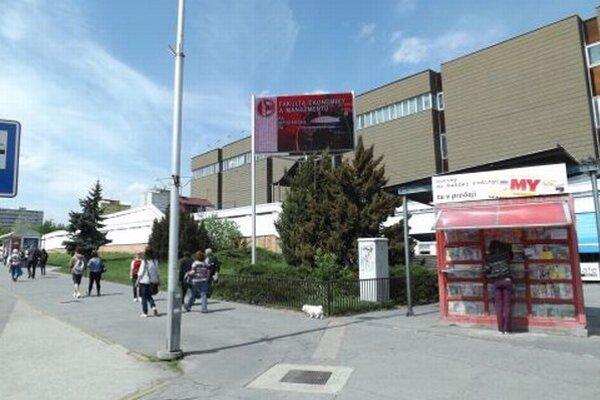 Na zelenej ploche pri Tescu by mal vyrásť objekt, v ktorom bude kaviareň a infocentrum.