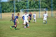 Nová Dedina si doma v dôležitom zápase poradila s béčkom Kalnej.