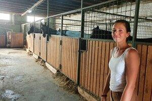 Tatiana Zsigmondy z jazdeckej školy, ktorú založili pred jedenástimi rokmi ako rodinnú firmu.