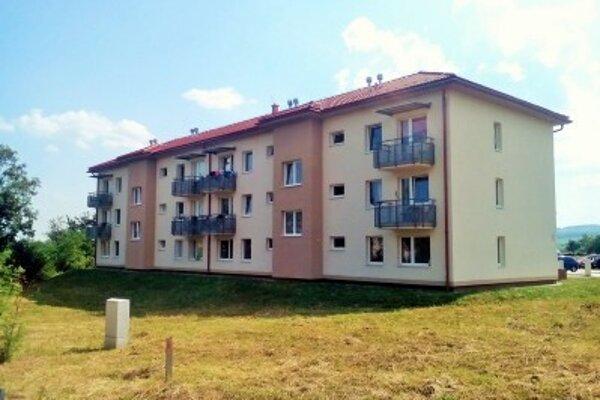 Jedna z najnovších bytoviek v Sabinove. Plánujú ďalšie.