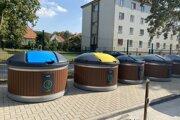 Univerzita Konštantína Filozofa (UKF) v Nitre bude v areáli študentského domova Zobor využívať na odpadové hospodárstvo polopodzemné kontajnery.