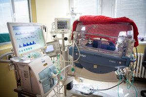 Niektoré extrémne nezrelé deti musia byť na riadenom dýchaní.