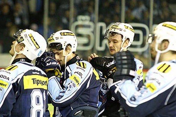 Nitrianskym hokejistom zostali len oči pre plač.