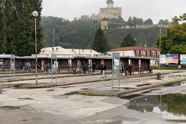 Autobusová stanica v Trenčíne v októbri 2020.