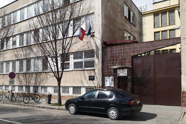 Prešovská väznica. Má 20 ľudí v karanténe, štyria boli pozitívne testovaní.