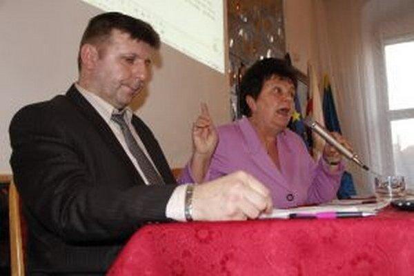 Šlosár s Ostrihoňovou riskujú nevyplatením odstupného podpísaného Lednárom žalobu.