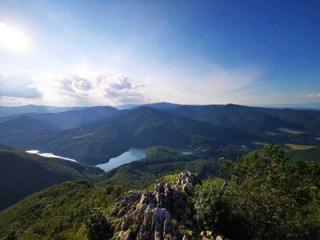 Vodná nádrž Ružín z vrcholu Sivca