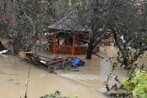 Zaplavená záhrada v Kysaku.