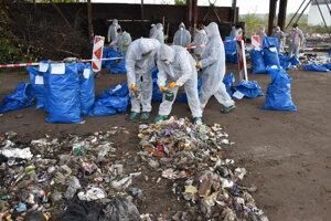 Mesto Snina sa zapojilo do ručného dotrieďovania odpadu. Od analýzy si sľubuje jeho lepšie triedenie.