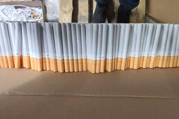 Objavených bolo viac než 2,3 milióna kusov cigariet.