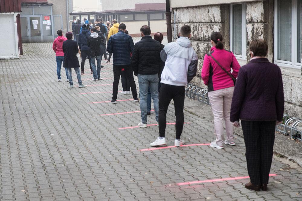 Koronavírus na Slovensku: Ako prebieha celoplošné testovanie (foto) - SME