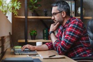 Niektoré firmy zamestnancom nechali príplatky na dopravu či stravu, ktoré môžu pokryť náklady na home office.