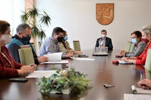 Komunitná nadácia mesta Humenné rozhodovala o pomoci.