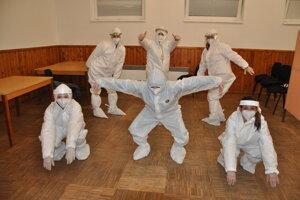 Odberový tím z Pribiša, ktorý v prvom kole natočil vtipné video