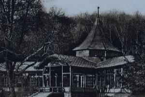 Dobová fotka Labutieho pavilónu s reštauráciou.