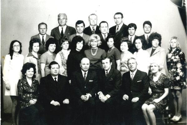 Pedagogický zbor, rok 1974.