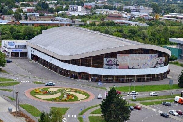 Zimný štadión otvorili pre športovcov.