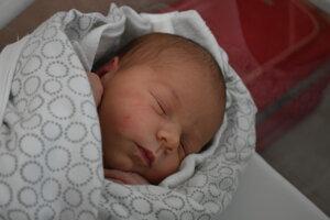 Laura Fabová (3340 g, 51 cm) sa narodil 31. októbra Lenke a Jánovi z Dubnice nad Váhom.