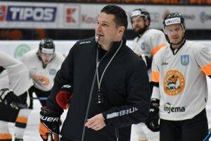 Pre fínskeho trénera Tomeka Valtonena je pôsobenie v Michalovciach výzvou.