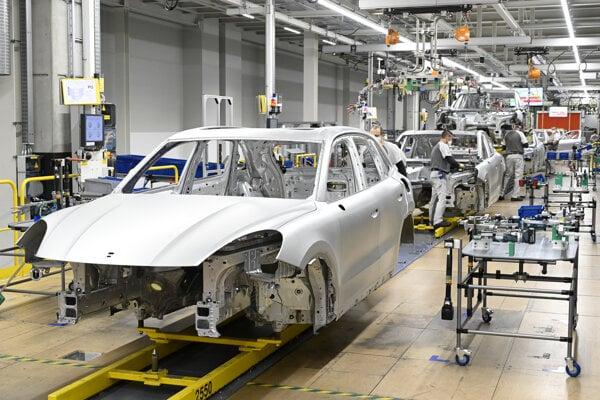 Výrobná linka spoločnosti Volkswagen Slovakia v Bratislave.