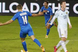Manor Solomon oslavuje gól v zápase Izrael - Škótsko.