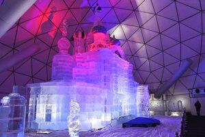 Celý dóm je umiestnený v kupole s priemerom 25 metrov.