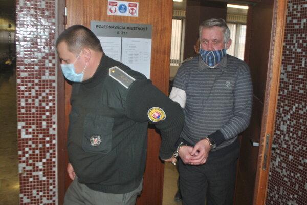 Podvodník Ivan Nálepka na krajskom súde.