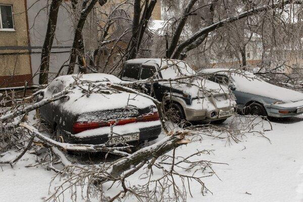 Následky mrznúceho dažďa vo Vladivostoku.