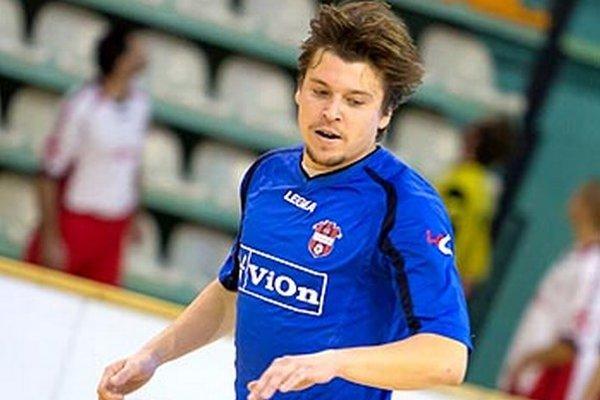 Ľuboš Bernáth, bývalý útočník FC ViOn, v drese Šoporne strelil v nedeľu päť gólov do siete Vydrian.
