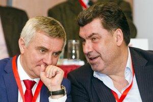Prezidentovi muži Vratislav Mynář a Martin Nejedlý.