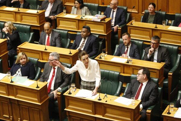 Novozélandská premiérka Jacinda Ardernová počas prejavu v parlamente.