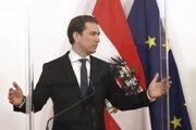 Rakúsky kancelár Sebastian Kurz povedal, že tvrdý lockdown platný asi dva týždne ukázal svoju účinnosť.