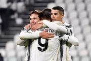 Juventus Turín po strelení gólu oslavuje.