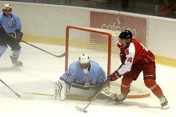 Veľký podiel na víťazstve Nitry má brankár Vlastimil Lakosil.