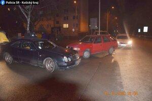 Nehoda sa stala v sobotu podvečer.