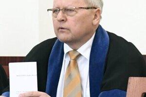 Advokát Ivan Vanko.
