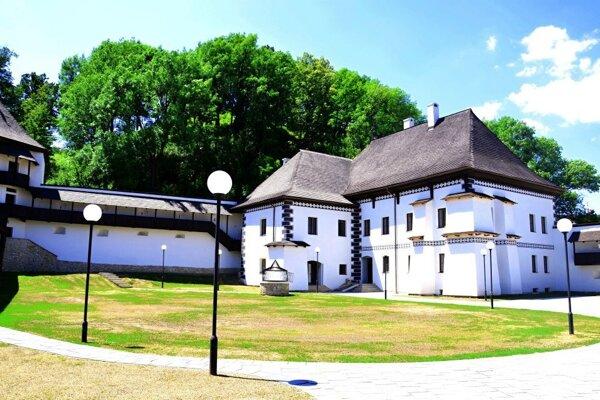 Kaštieľ v čase po otvorení múzea.