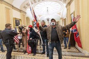 Podporovatelia Donalda Trumpa, ktorí vtrhli do budovy Kapitolu.