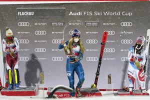 Mikaela Shiffrinová vyhrala slalom vo Flachau.