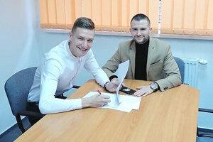 Jakub Luka mal z podpisu profesionálnej zmluvy veľkú radosť.