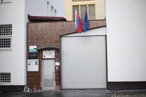 Ústav pre výkon väzby a a Ústav na výkon trestu odňatia slobody v Prešove.