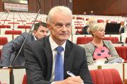 Jakubov hovorí, že o návrhu s Ďurovčíkom nerokovali.