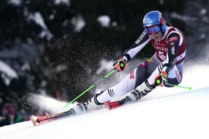 Petra Vlhová počas obrovského slalomu v stredisku Kranjska Gora.