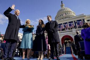 Joe Biden zložil slávnostnú prísahu a stal sa tak 46. prezidentom Spojených štátov amerických.