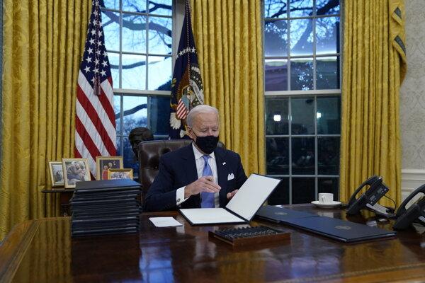 Nový prezident už úraduje.