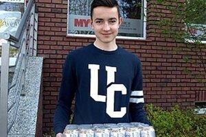 Kartón piva Corgoň v 3. kole vyhral 15-ročný Marek Fábry zu Šurianok, inak futbalista FC Nitra U16. Prišiel aj s dospelým, starším bratom Máriom. Moku sa asi poteší otec Marek.