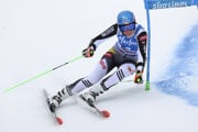 Petra Vlhová počas 1. kola obrovského slalomu v talianskom Kronplatzi.