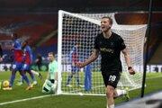 Čech Tomáš Souček sa teší z gólu West Hamu v zápase na ihrisku Crystal Palace.