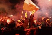 V Poľsku vyšli do ulíc davy ľudí.